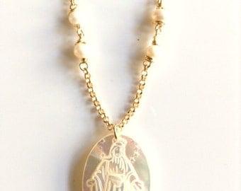 Miraculous Medal necklace Virgen de La Milagrosa Gold Virgin Mary Pendant Necklace Virgin Mary mother of pearl pendant Virgin Mary Jewelry