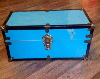 1950's Metal Trunk Vintage Toy Case Small Travel Trunk for Doll Cass Toy Company