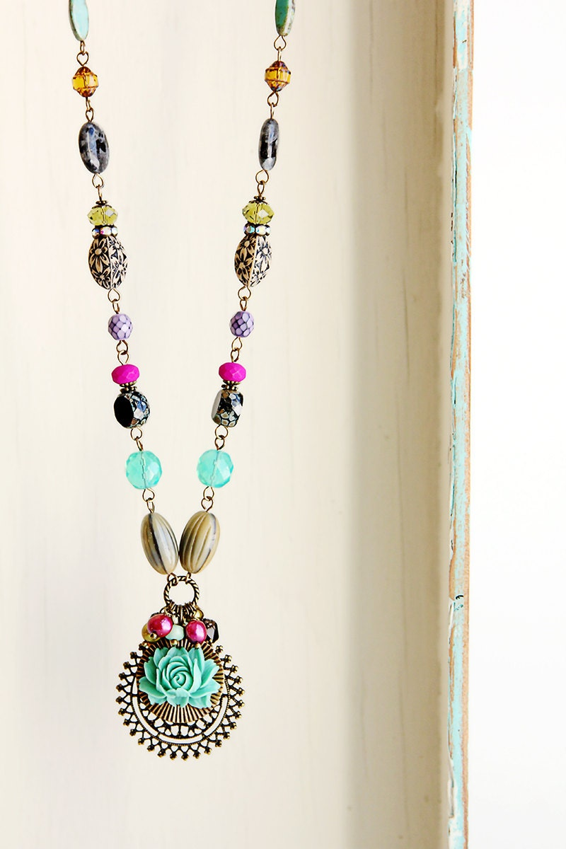 Shop for flower necklace at distrib-u5b2od.ga Free Shipping. Free Returns. All the time.