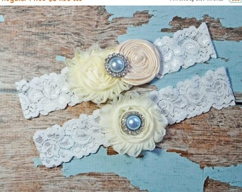 SALE Wedding Garter, Ivory Cream Garter Set,  Wedding Garter Belt , Lace Garter, Keepsake Garter, Toss Garter, Garter Set