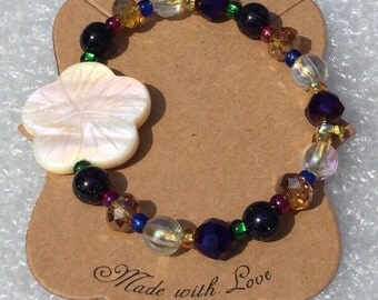 Hawaiian Dreams MOP Flower Stretch Bracelet