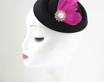 Black Hot Pink Silver Feather Pillbox Fascinator Hat Races Vintage Hair Clip 138
