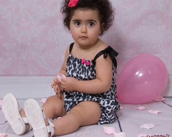 """baby girl romper in animal print """"leopard"""" with straps"""