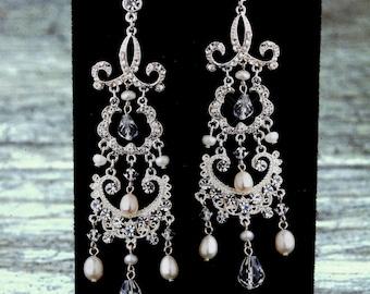 Long Bridal Earrings, Pearl Earrings, Crystal Earrings, Dangle Earrings, Statement Earings, Bridal Earrings, Wedding Jewelry, Bridal Jewelry