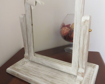 countertop, tilting mirror shabby chic style