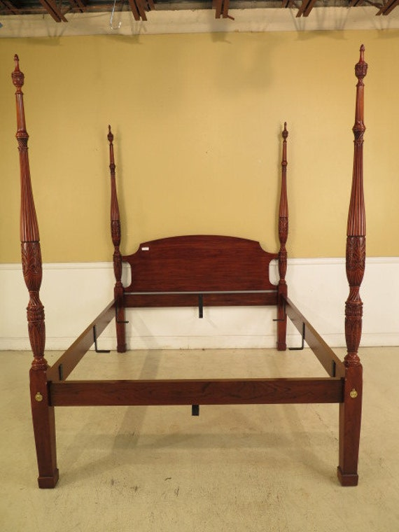25343E: HENKEL HARRIS Queen Size Cherry Rice Carved Poster Bed
