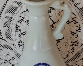 Jim Beam Delft Blue D-334 Decanter Bottle,1963, sailing ships and windmill