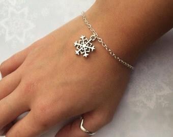 Snowflake Bracelet, Festive Snowflake Charm Bracelet, Christmas Anklet, Christmas Charm Jewellery, Gift for Her by InTheMomentUK