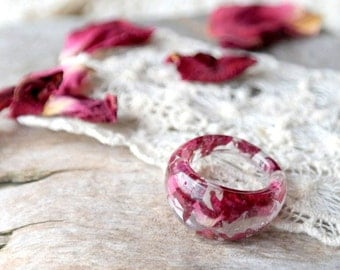 eco resin ring-REAL FLOWER RING- Resin jewelry-rose petals-nature inspired engagement ring-botanical handmade jewelry-Eco Friendly