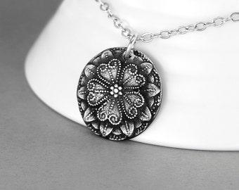 Flower Necklace, Vintage Button Necklace, Silver Flower Button, Antique Button Jewelry, Victorian Necklace, Victorian Jewelry, Flower Love