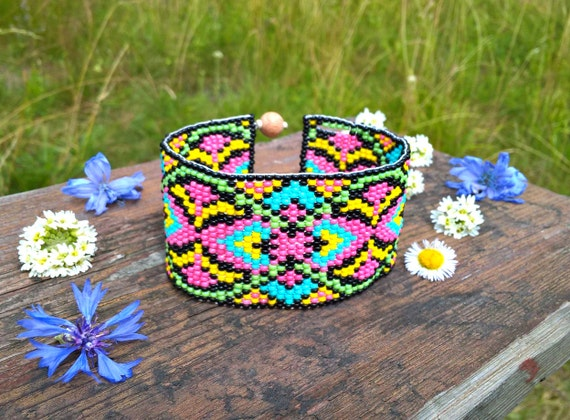 mexico festival western bead cuff bracelet bead loom. Black Bedroom Furniture Sets. Home Design Ideas