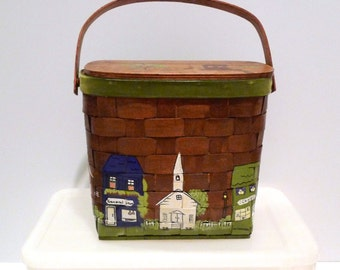 Wishing Well Picnic Basket Purse Vintage Small Town Box Bag Main Street Village handbag 1970s Painted Basket Weave Top Handle Tote Church