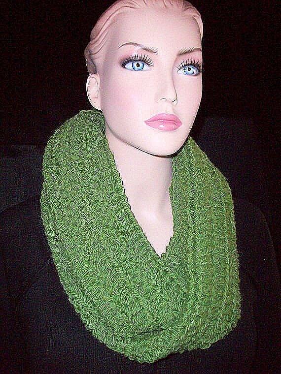 Green Crochet Infinity Scarf,Crochet Scarf, Green Scarf, Handmade Infinity Scarf, Green Crocheted Infinity Scarf, Green Infinity Scarf