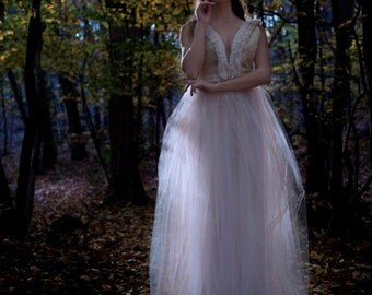 "Robe de mariée "" Amor"" cuir or, tulle et franges"