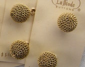4 Faux Gold Chain Buttons, Round Ball Buttons,16 mm, Bright Gold, Sparkling, Shiny, Metal Shank,  La Mode Japan, Gold Chain Pendant