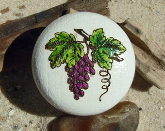 Cabinet knob hand painted red vine wood - furniture knob - wine - grapevine - oak - hand-painted - incl. screw