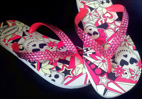 Pink Sugar Skull Havaîanas Flip Flops Fun Glow in the Dark Custom Crystal Rose Bling w/ Swarovski Rhinestone Glass Slippers US 7/8 Shoes