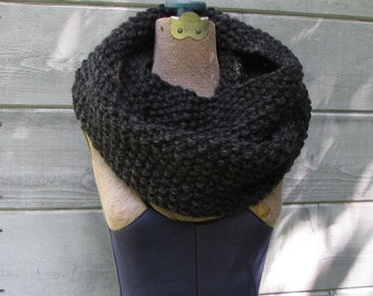 Gray Infinity Scarf, Charcoal Chunky Cowl, Charcoal Scarf, Hand Knit Warm Scarf Dark Gray Infinity Scarf, Charcoal Gray Scarf, Made to Order