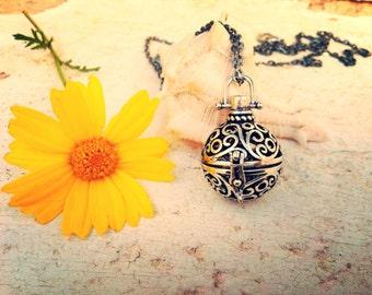 Boho poison locket-boho chic-retro pendant-poison box necklace-retro pill box necklace-retro poison pendant-70s party-beach party-hippie