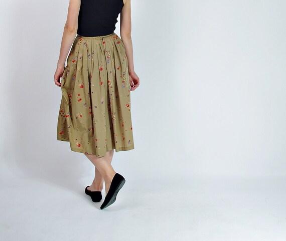 SALE! 70s Vintage floral khaki retro style skirt with hidden pockets / size M