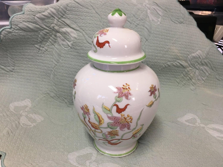 floral porcelain ginger jar japanese floral ginger jar asian. Black Bedroom Furniture Sets. Home Design Ideas