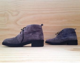 vintage 80's 90's purple suede ankle boots // hush puppies // nu grunge // nu boho // sz 10