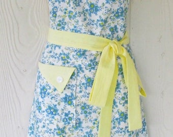 Blue Floral Apron, Vintage Fabric, Blue and Yellow Flowers, Retro Style, KitschNStyle