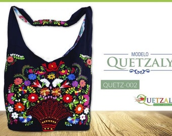 Hand-embroidered handbag model Quetzal, white color