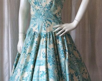 50s dress//Vintage 1950s Full skirt Lattice Print Cotton Dress Sundress Turquoise/cream L