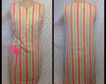 Fabulous Vintage 1960's pink, white and green geometric print cotton mod shift dress with front zip/Canadian vintage/zip front
