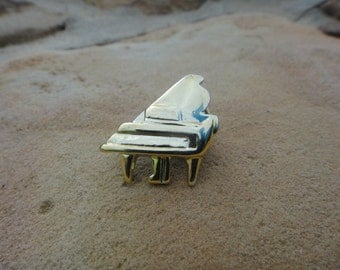 Small Mini Piano Vintage Brooch