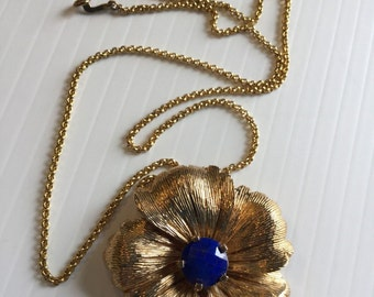 Signed Stephen Dweck Flower Necklace Pendant With Lapis Center