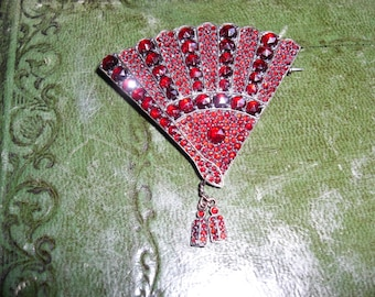 1920's Antique Victorian hand set garnet fan pin