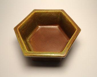 A Vintage Haeger Pottery 4003 Drip-Glaze Planter