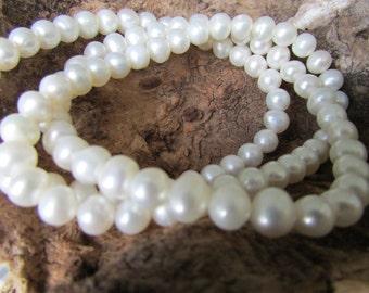 Lovely set of 3 Creamy Freshwater Pearl Bracelets