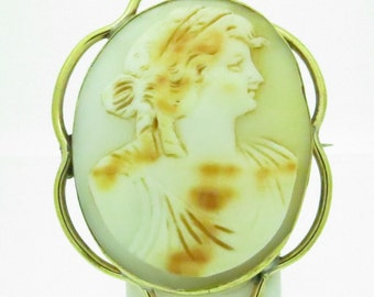 Victorian Cameo Brooch with Gold Surround (SKU270)
