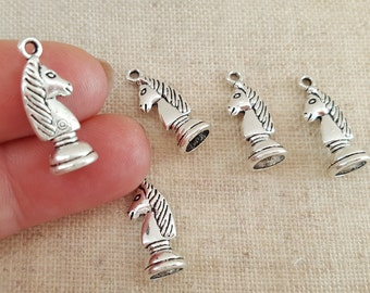 Chess Charms x 5.  Knight Charms. Games Charms. Chess Lovers Charms.  Antique Silver Tone - UK seller