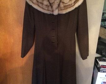 Women's Fur/Vintage 1960s *real fur coat*