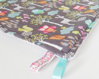 Taggie blanket  in coton fabric  with owl and white fleece