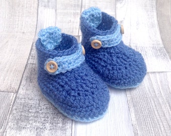 Crocheted booties, baby booties, baby boots, Crocheted booties in blue. newborn, 0-3, 3-6, baby shower gift, boys shoes in blue, crochet