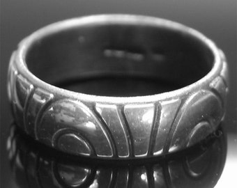 4.7g Hallmarked 925 Sterling Silver 'Magsphere' Design Decorated Band.