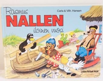 """Vintage 1988 Rasmus Nallen iloinen vuosi """"Ramsus Bears Joyful Year"""" Book"""