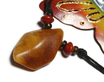 small joint and minimalist natural amber necklace