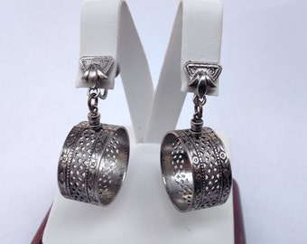 Vintage ornate silver tone Screw Back Earrings