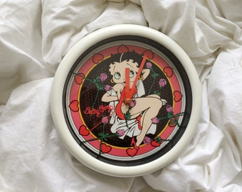 vintage betty boop clock / white / plastic / graphic / hearts / roses / cartoon / novelty / 90s