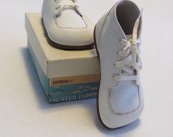 Vintage Buster Brown Wikler children's boot - size 6