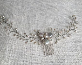 Delicate freshwater pearl hair comb, bridal hair comb, wedding hair comb, ivory pearls hair comb, wedding pearl comb, wedding hair piece