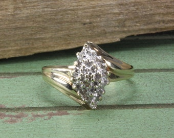 Estate 10k Gold  Estate Cluster Ring with Diamonds Estate