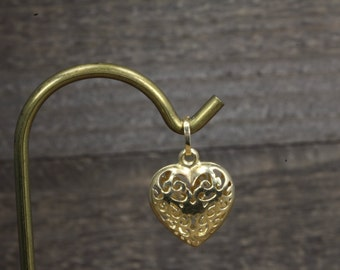 Estate, 14K Yellow Gold Lattice Heart Pendant