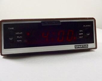 Vintage 1970's Spartus electric alarm clock